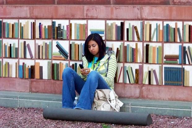 Millennial teenager mobile communication lanaguage